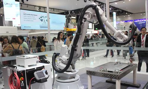 美的與韶能集團聯手 將在工業機器人等領域深度合作