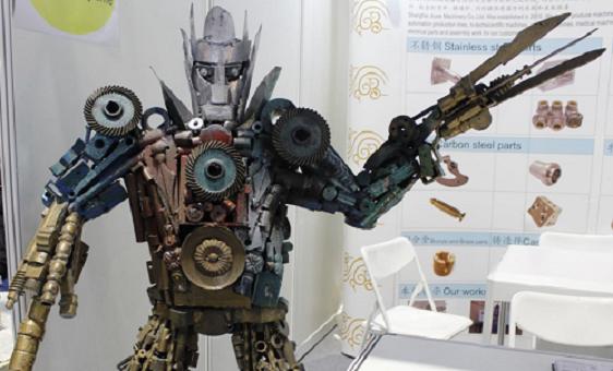 """意念加AI算法""""復原""""每個手指,智能義肢登上Nature子刊封面"""