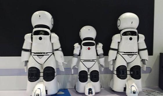 """曾在国际空间站""""情绪失控""""的AI机器人CIMON获得升级"""