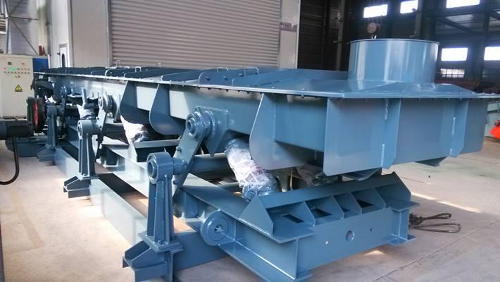 型新應輸送機-煤炭專用振動輸送機-生產廠家法向輸與道