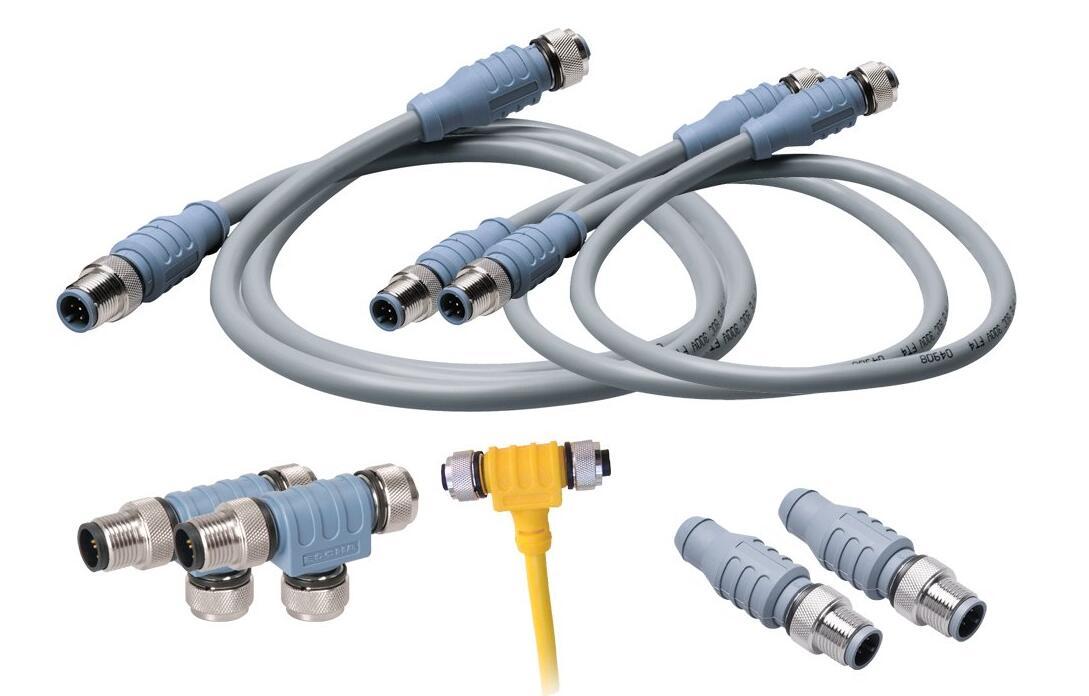NMEA 2000电缆和连接器中心供电网络需要重复的一个重要项目是电压降。到目前为止,您应该在降低电压降方面有一个良好的基础,但是,还必须注意馈电线。应尽量减少从电池到NMEA-2000电源三通的布线路径,以减少电压损失。这有时是困难的,因为网络的电源开关在逻辑上属于掌舵,但是(特别是对于中心馈电网络),电源三通可能位于距离舵的一定距离处。一种解决方案是在电源分接头附近安装一个继电器,该电源分接头在掌舵处切换。继电器允许舵机上的远程开关以小的电压损失打开或关闭网络。