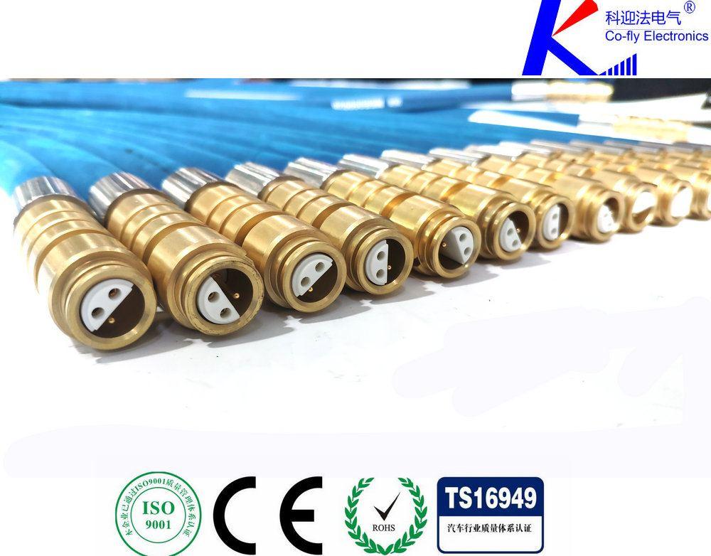 <strong><strong><strong><strong><strong><strong><strong><strong>矿用电缆连接器</strong></strong></strong></strong></strong></strong></strong></strong>,是电气开关移动变电站等设备中较常用的一款连接产品,连接器由插头部件和插座部件两个主体部件组成。每一部分又包括电缆引入系统和接线座及绝缘子,插座部件安装在机台或其他需要交流电压为10KV、电流至500A及以下的设备上,由插头部件与电缆安装后,通过三根连接导电杆插入插座,将馈电输入需提供电源的设备上。另外用两个插头部件相连接起电缆间连接耦合作用,插头部件与电缆安装后,必须用专用环氧树脂冷浇注剂填料灌满插头内腔空间,待固化后方可使用。连接器电缆引入装置备有螺旋式与压条式两种,以备选用。